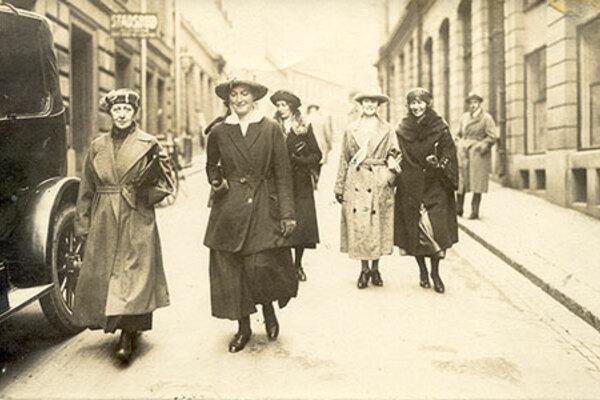 Demokratijubileum - Kvinnlig rösträtt 100 år