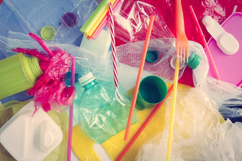 Skapa av återvunnen plast